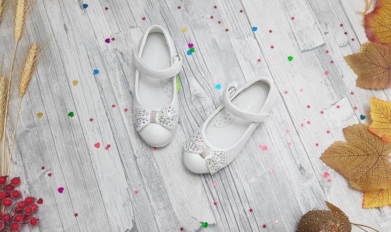 Детские туфли белые для девочки