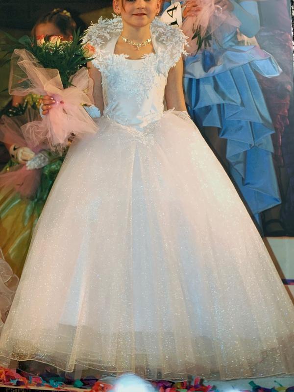 Шикарное платье на утренник или выпускной + колье в подарок