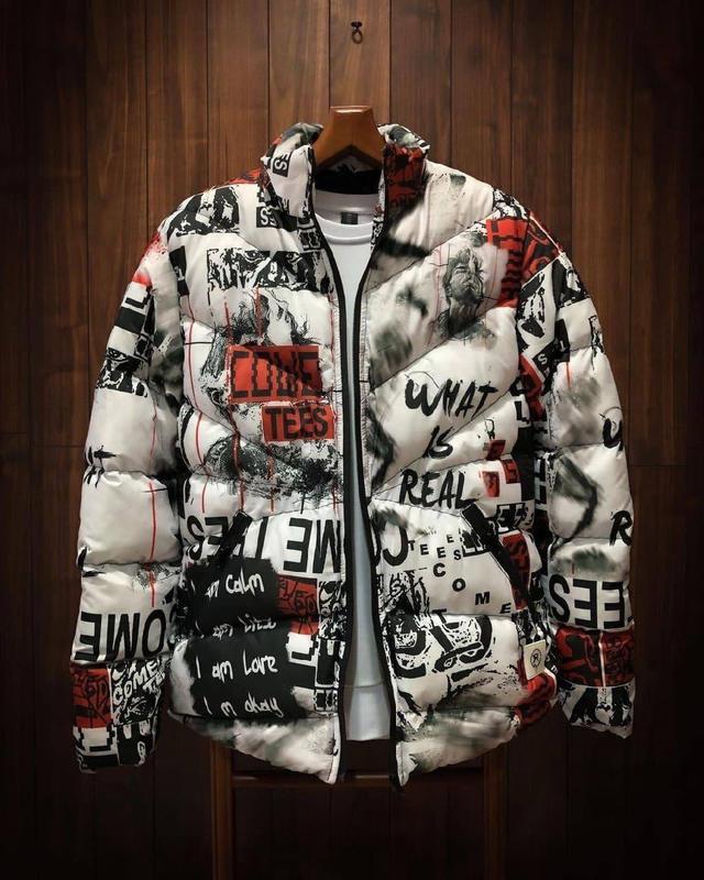 Стильная мужская зимняя куртка пуховик с крутым принтом