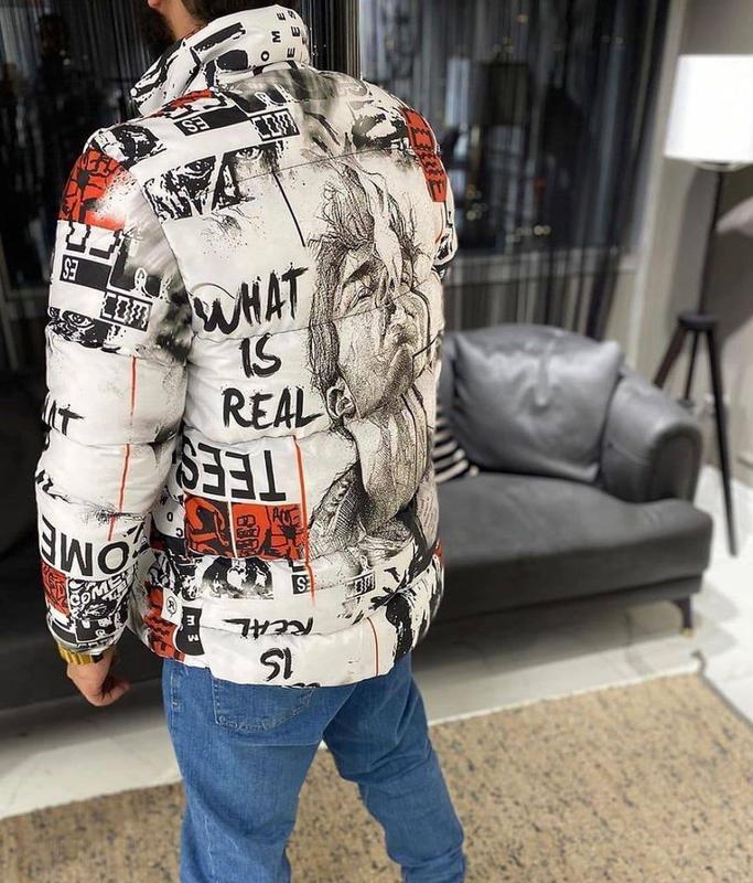 Стильная мужская зимняя куртка пуховик с крутым принтом - Фото 3