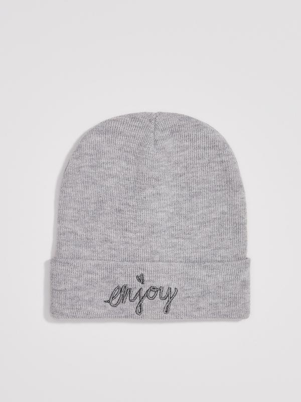 Новая светло-серая шапка серая польша сердце вышитая надпись e...