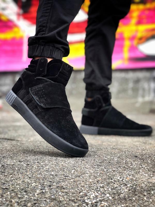 Кроссовки мужские зимние чёрные Adidas Tubular Invander.