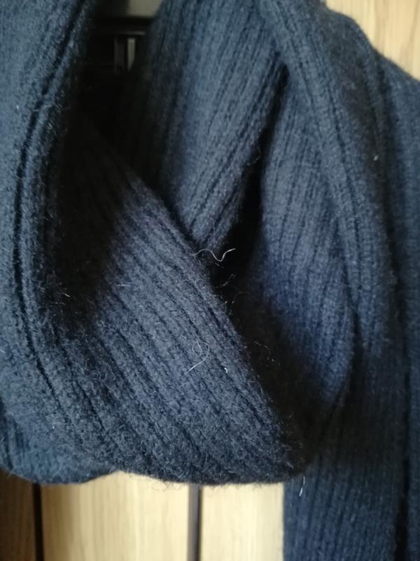 Черный шарф с шерстью