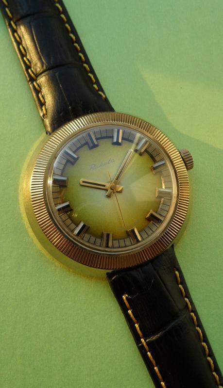 часы «РАКЕТА-СТАДИОН-80-х.» мужские ПОЗОЛОЧЕННЫЕ, сделано в СССР