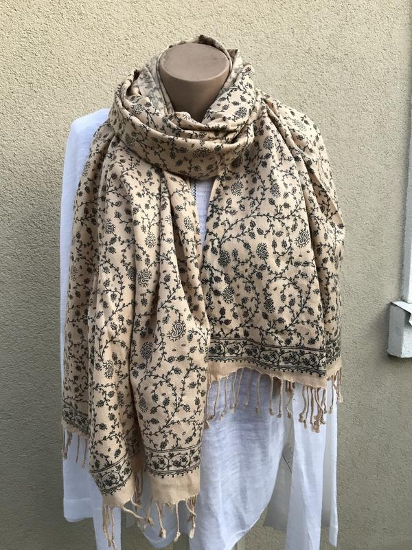 Винтаж,эксклюзив,большой,шерстяной шарф,палантин с вышивкой