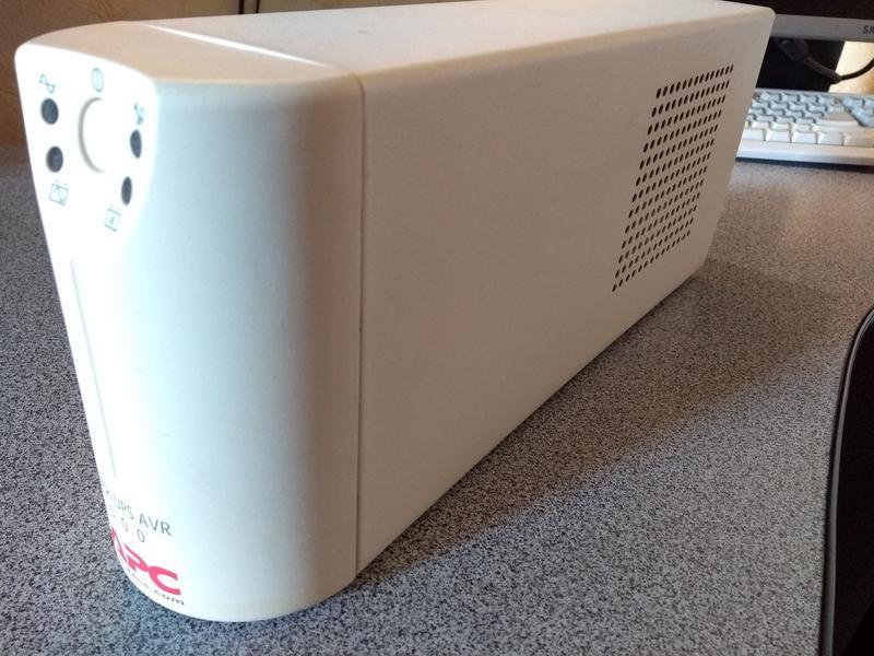 Источник бесперебойного питания APC Back-UPS AVR500, с АКБ - Фото 6