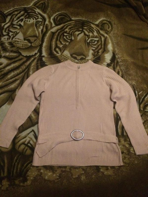 Женский трикотажный свитер