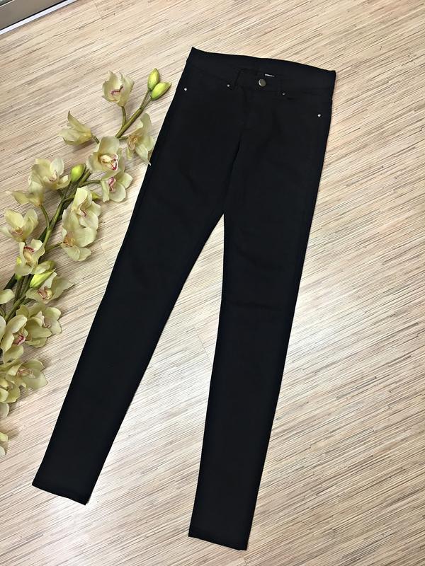 Базовые черные джинсы от h&m