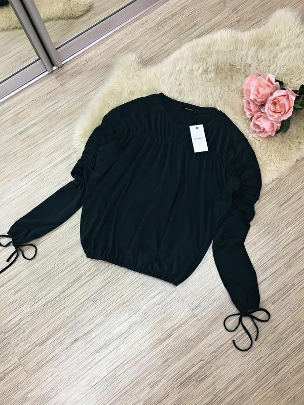 Оригинальная блуза изумрудного цвета от reserved