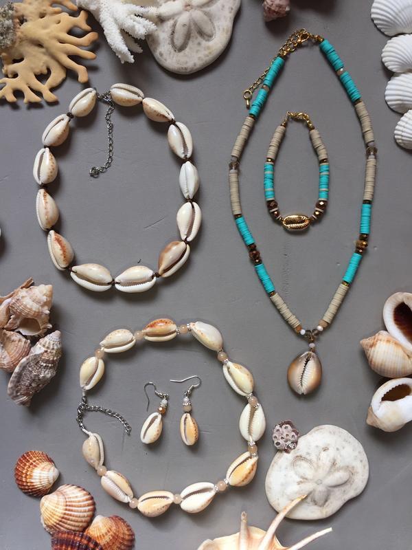 Авторские украшения из натуральных моллюсков в единственном экзем