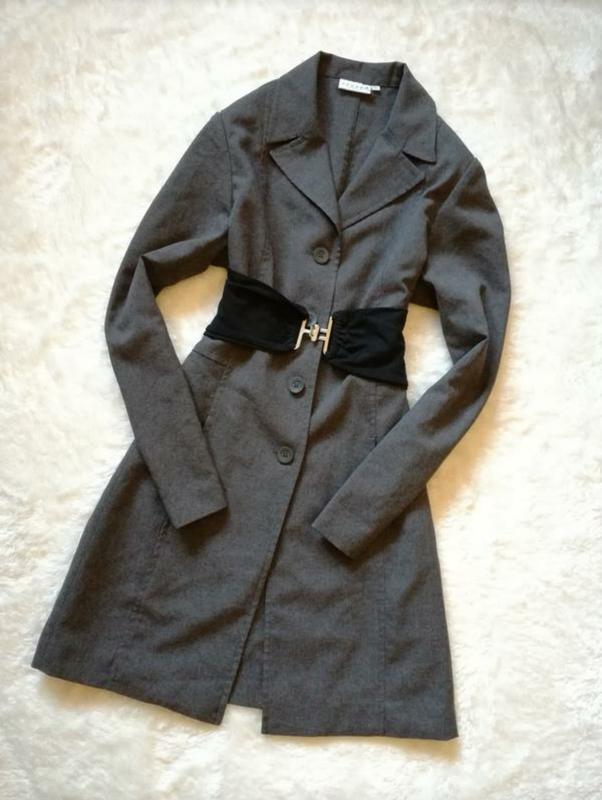 Платье пиджак р.38-40 hennes