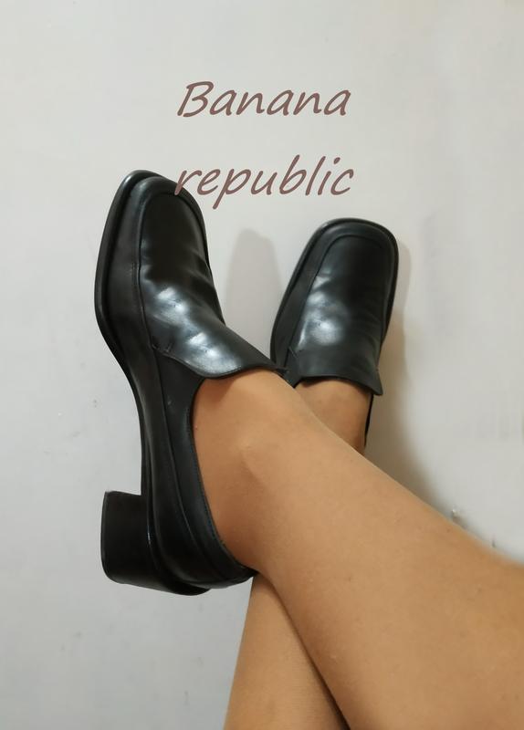 Туфли лоферы очень качественные, много осенней брендовой обуви...