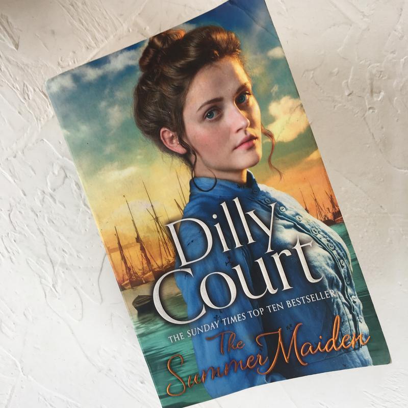 Книга на английском языке dilly court the summer maiden