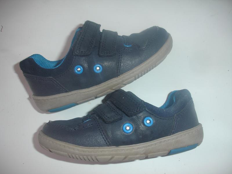 Фирменные ckarks кожаные кроссовки с мигалками на 24 размер