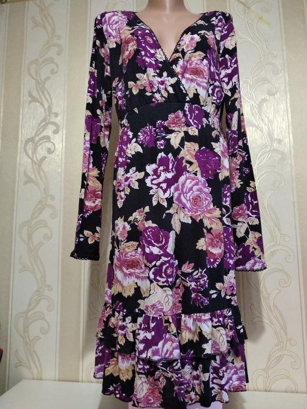 Платье с длинным рукавом, вискоза.