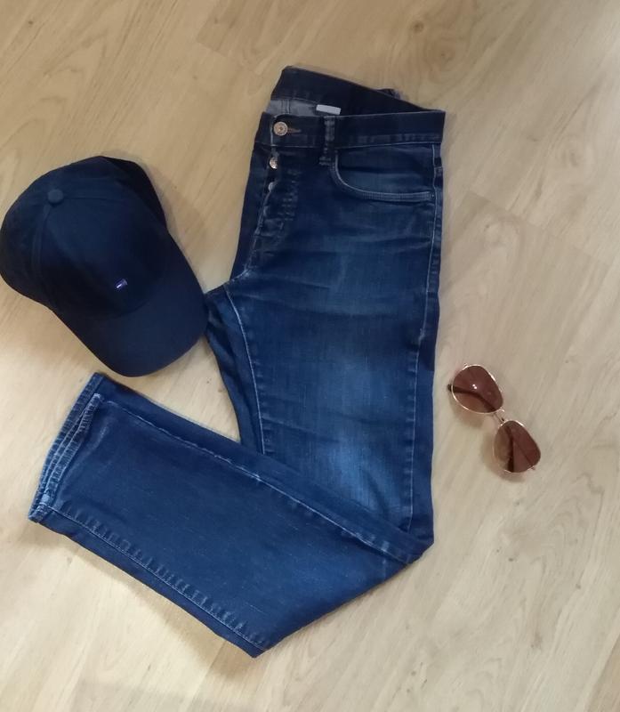 Отличные фирменные джинсы классика