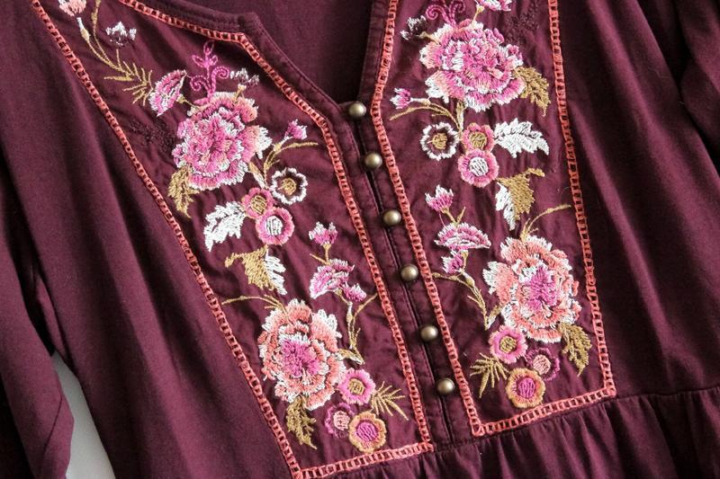 Бордовое платье с вышивкой tu - Фото 3