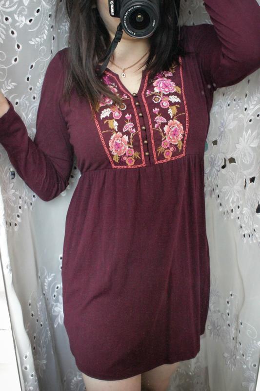 Бордовое платье с вышивкой tu - Фото 7