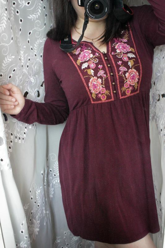 Бордовое платье с вышивкой tu - Фото 9