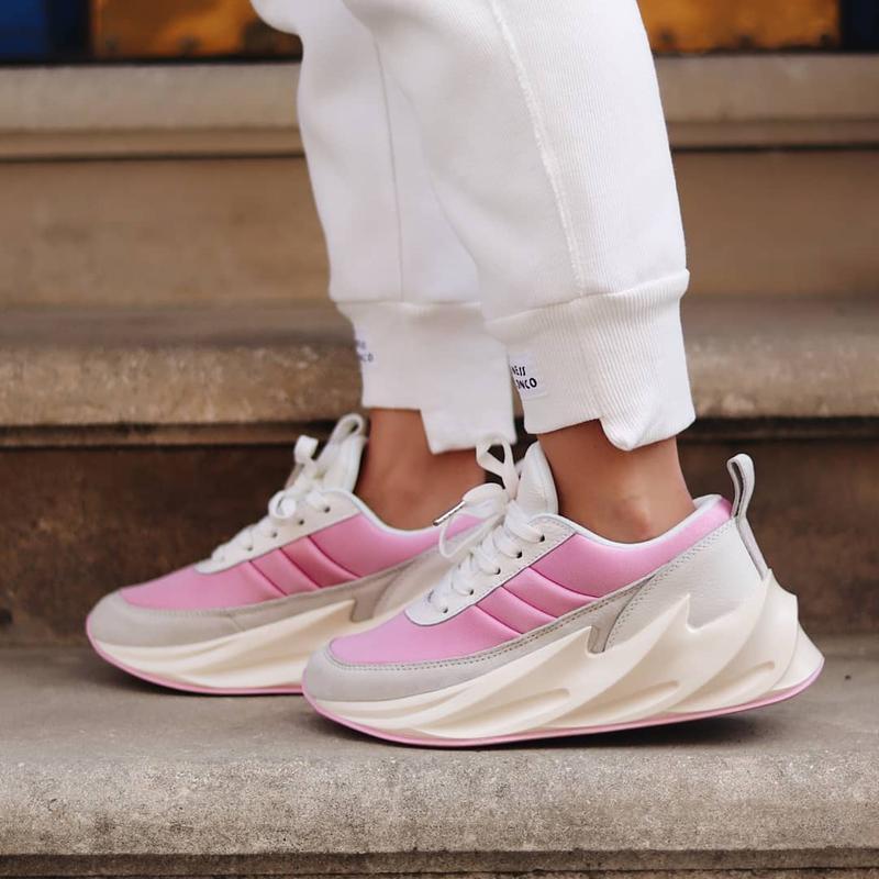 Кроссовки adidas shark pink