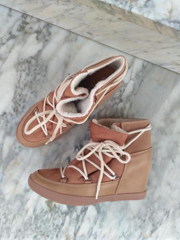 Ботинки кэмэл со шнуровкой