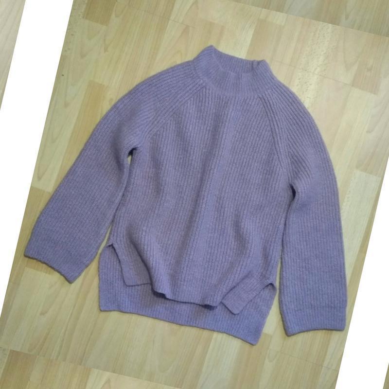 В наличии - свитер с горлом и свободным рукавом *primark* р. s