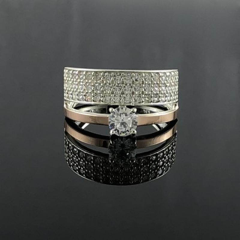 Серебряное кольцо с цирконами и золотой пластиной