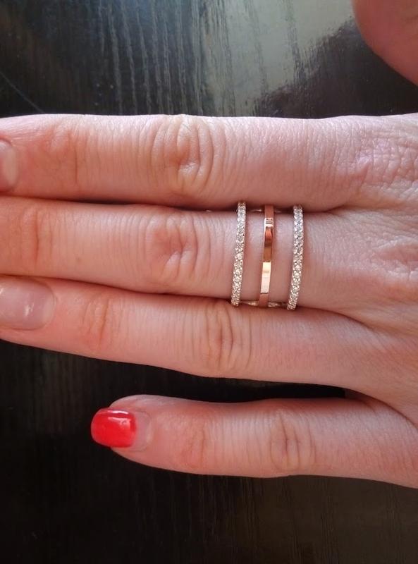 Серебряное кольцо с золотыми пластинами и цирконами