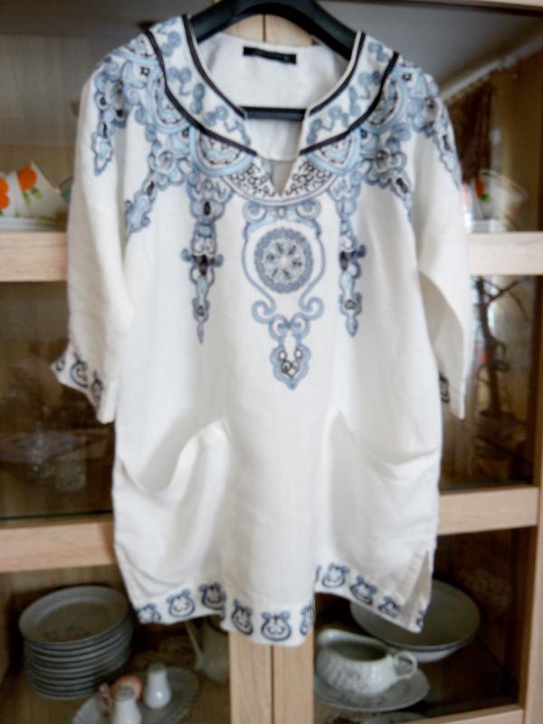 Невероятно красивая льняная с вышивкой и карманами туника zara