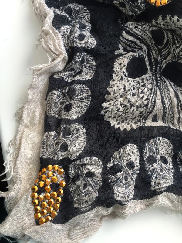 Стильный шарф с черепами avant premiere , вискоза платок - Фото 5