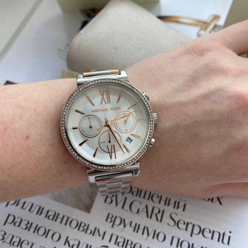 Женские часы Michael Kors MK6558 'Sofie' - Фото 5