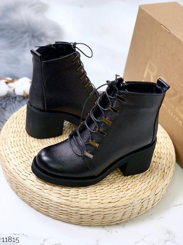 Зимние ботинки из натуральной кожи на удобном каблуке
