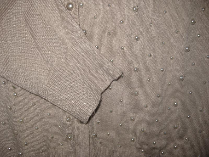 Джемпер кофта micha с бусинами жемчуг бежевая на пуговицах - Фото 4