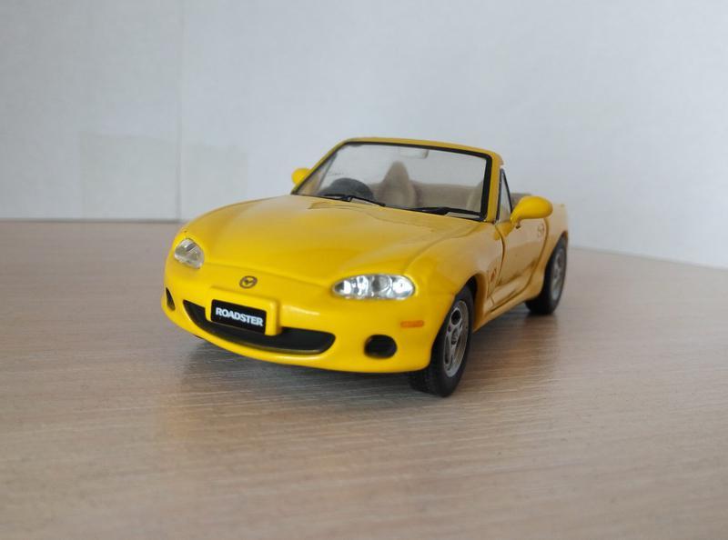 Mazda MX5 1997 Cararama/Hongwell, масштаб 1:43, RARE, уценка