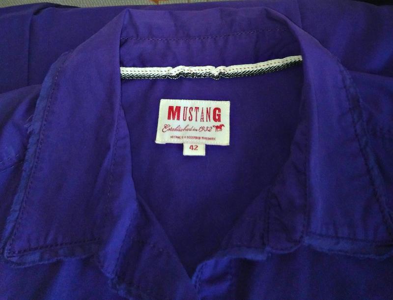 Фирменная яркая приталенная рубашка - Фото 5