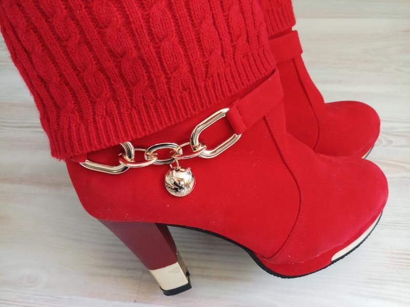 Красные сапожки ботинки