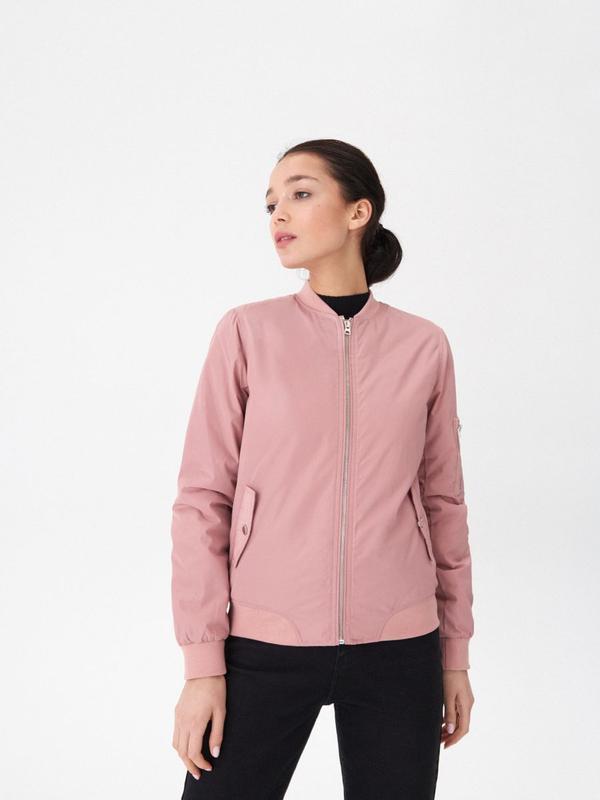 Продам новую женскую демисезонную куртку бомбер