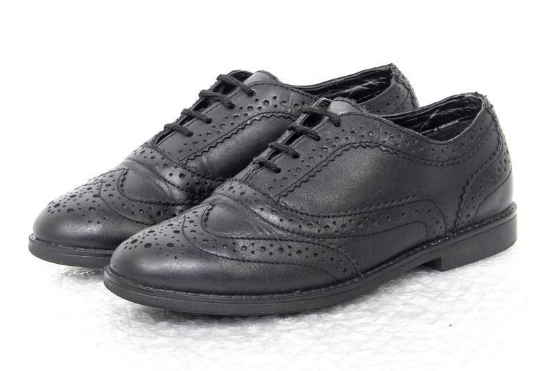 Формение туфли кожаные на девочку сlarks  р 32 - 20 см состоян...