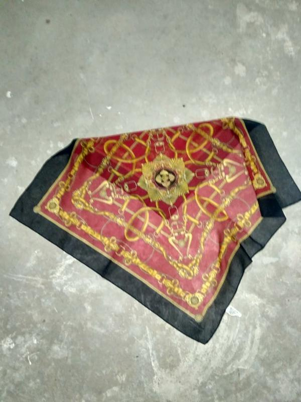 Классический  винтажный платок на шею тренд 2019