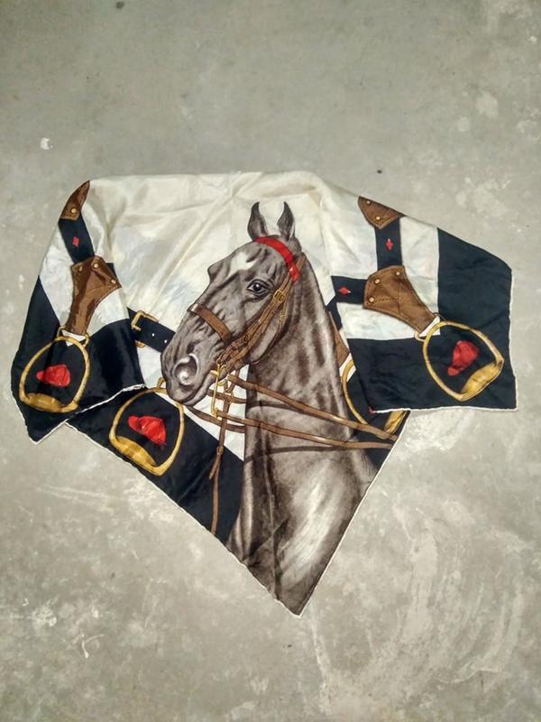 Французкий винтажный платок с принтом лошади \тренд2019