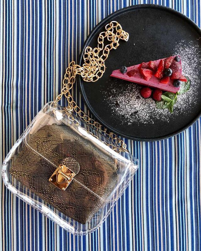 Маленькая силиконовая сумочка 2в1 с косметичкой золотистая