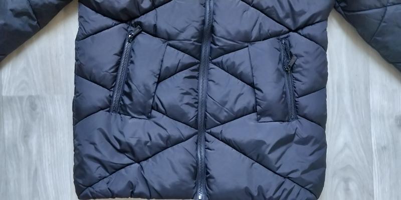 Продам новую женскую тёплую куртку с капюшоном - Фото 4