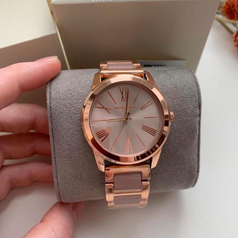 Женские часы Michael Kors MK3595 'Hartman' - Фото 2