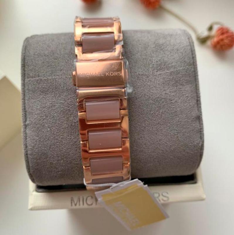 Женские часы Michael Kors MK3595 'Hartman' - Фото 4