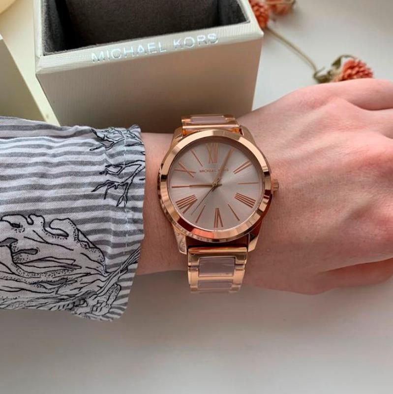 Женские часы Michael Kors MK3595 'Hartman' - Фото 5