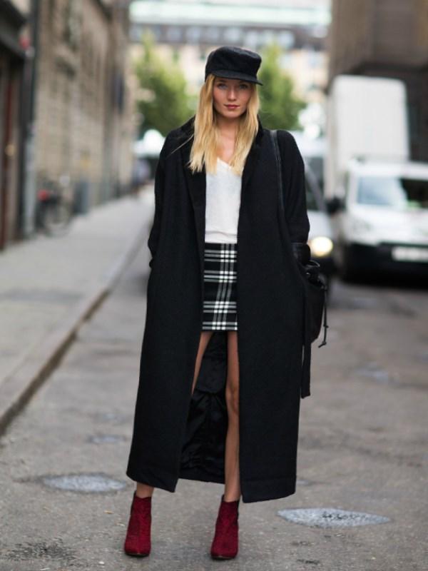 Стильное шерстяное черное пальто оверсайз derbis