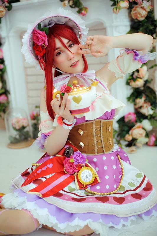 Платье лолитное, розовое с кружевами для карнавалов, фотосессии