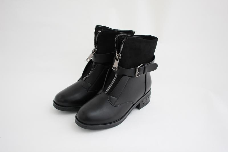 Женские черные зимние ботинки (сапоги, полусапоги)