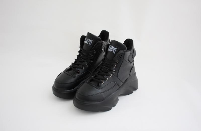 Женские черные зимние ботинки (сапоги, крипперы, кроссовки) на...