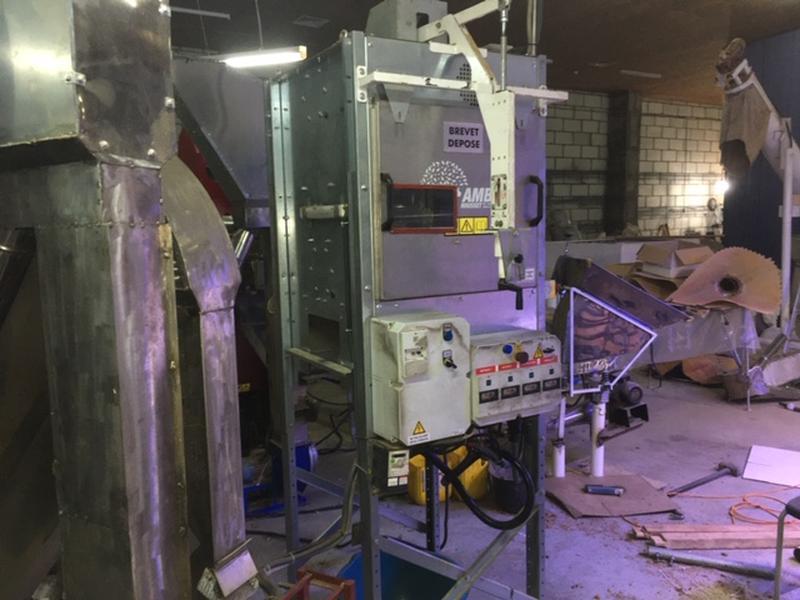 Машина доочистки (докольщик) для грецкого ореха французской фирмы